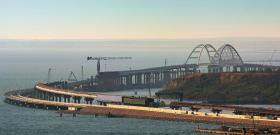 Железная дорога по Крымскому мосту уже пересекла экватор